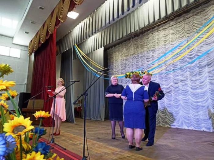 Багатодітні жительки Маневиччини отримали державні відзнаки