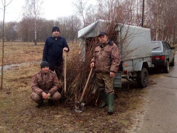 Ігор Лагода, Юрій Дмитрук та Віктор Тадай посадили в парку липи
