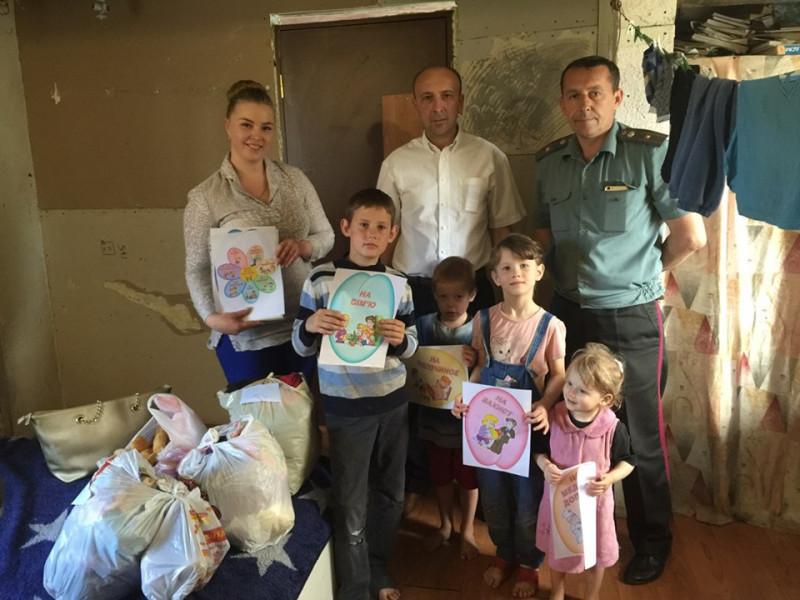 У Гуті-Боровенській відвідали малозапезпечену сім'ю