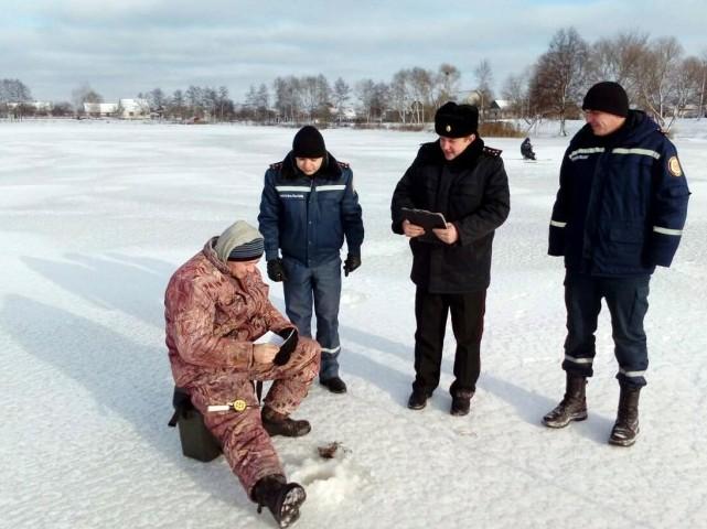 Прикарпатські рятувальники продовжують нести чергування біля водойм області