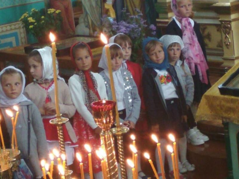 У Камінь-Каширському районі звершуються Молебні перед початком навчального року