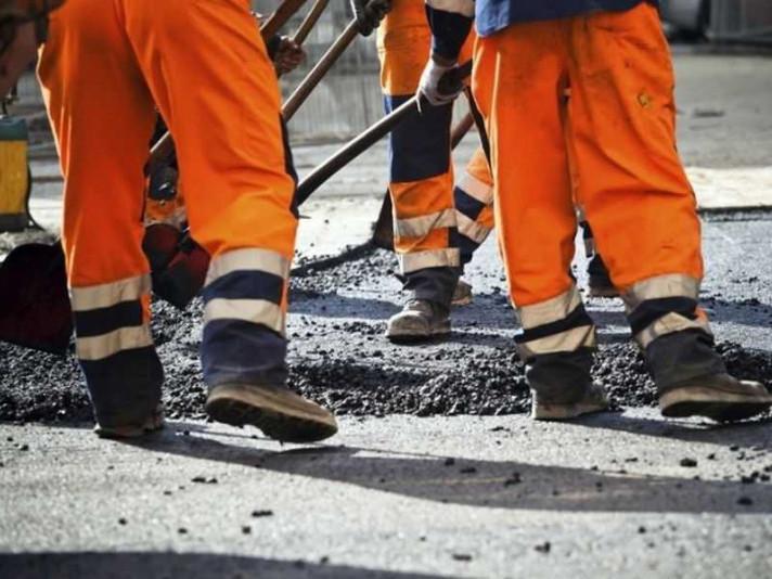З обласного бюджету виділили кошти на ремонт доріг Камінь-Каширського району