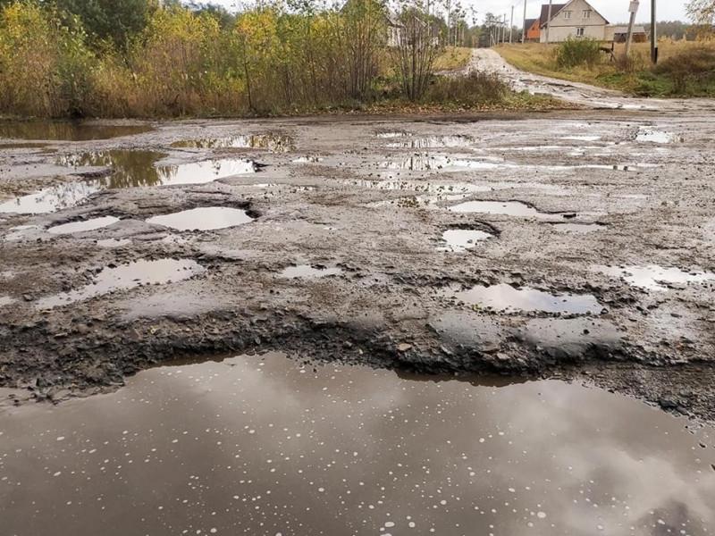 У соцмережі виклали фото жахливої дороги у Камінь-Каширському районі