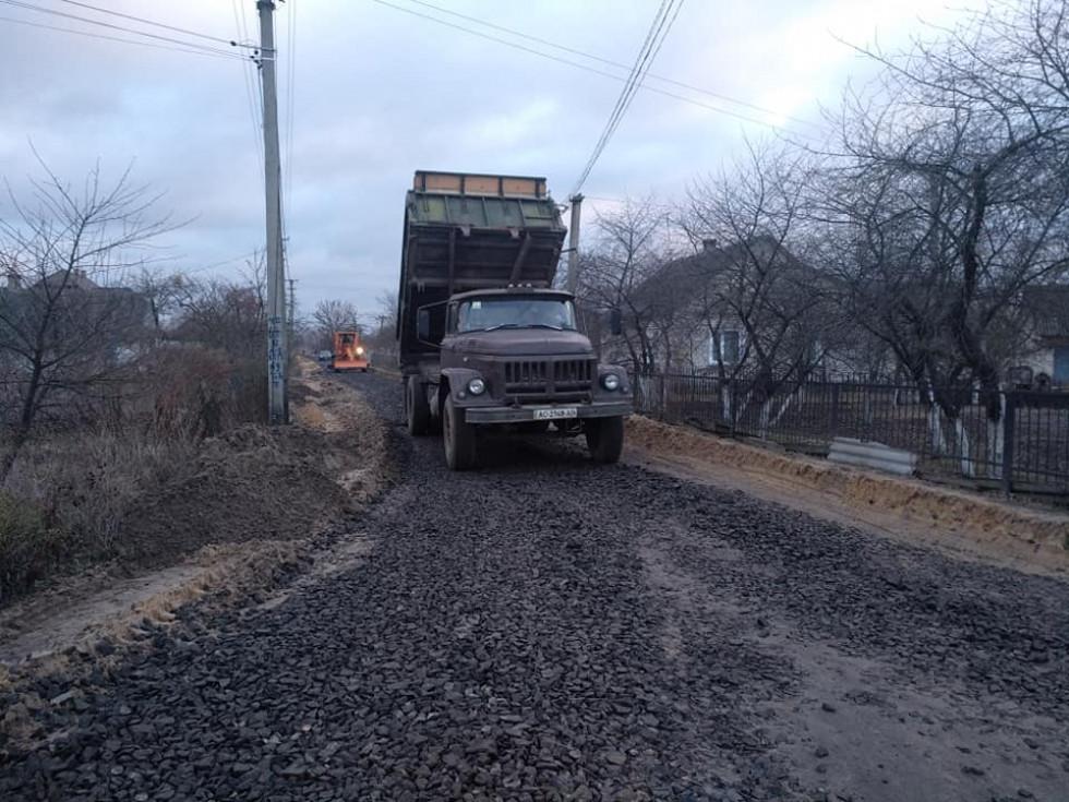 Облаштування дороги у селі Раків Ліс