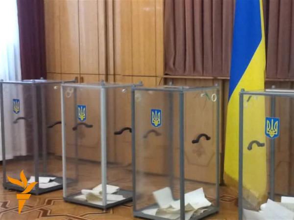 Рятувальники закликають дотримуватися правил безпеки на виборчих дільницях