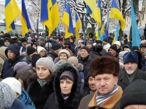 Камінь-каширці у Києві на Об'єднавчому Соборі