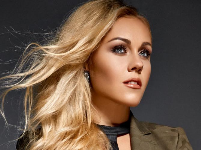 Співачка Alyosha виступатиме на «Новорічній містерії» у Луцькому замку