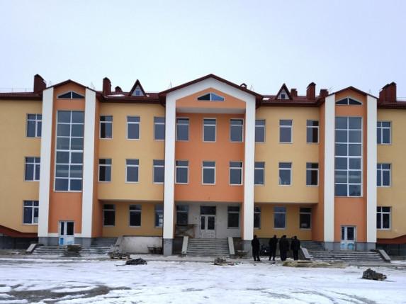 Будівництво школи на Волині підходить до стадії завершення. ФОТО