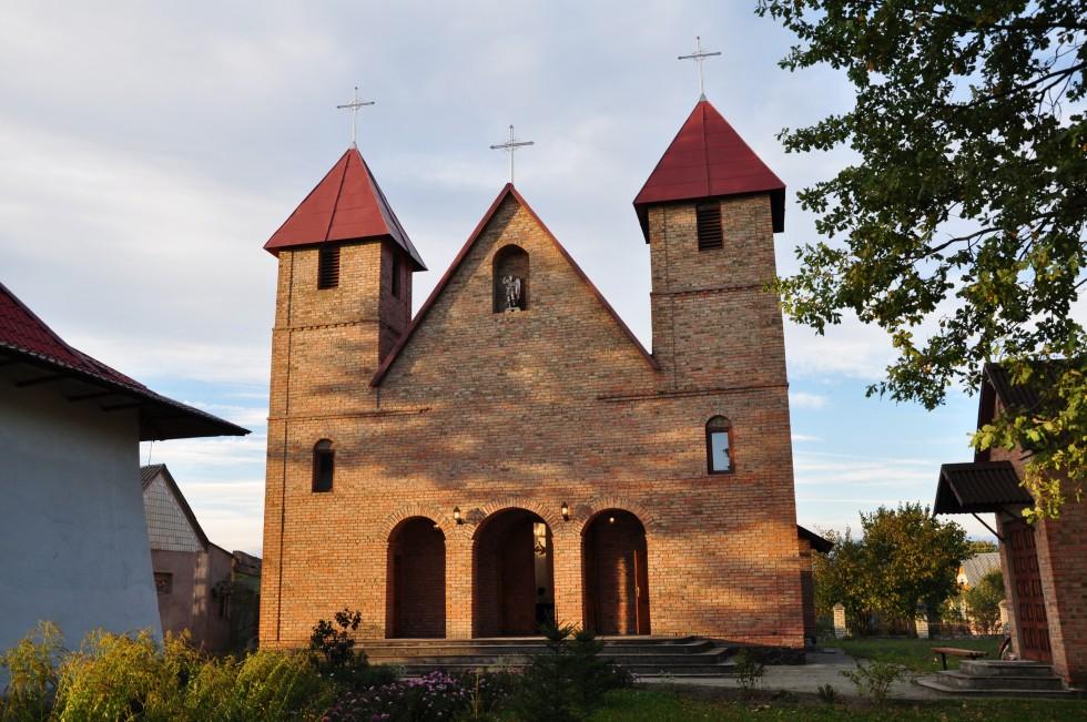 Римо-католицький костел. 2005 рік. м. Камінь-Каширський