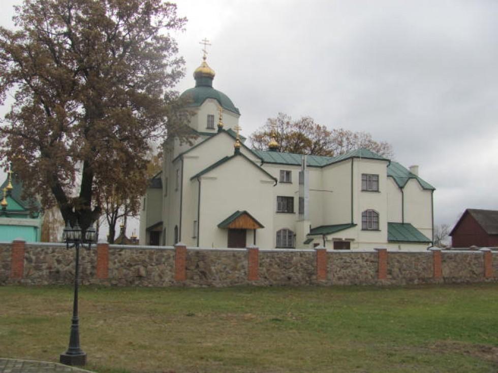 Свято-Покровська домова церква й сестринський корпус. Осінь 2016 р.