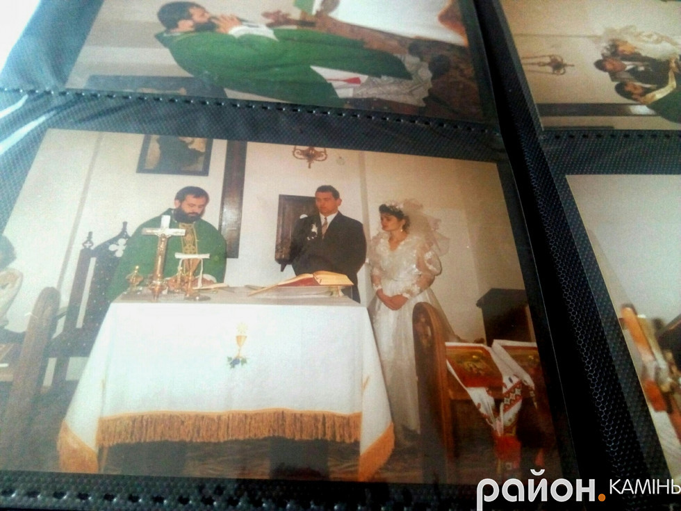 Фото з альбому: вінчання подружжя