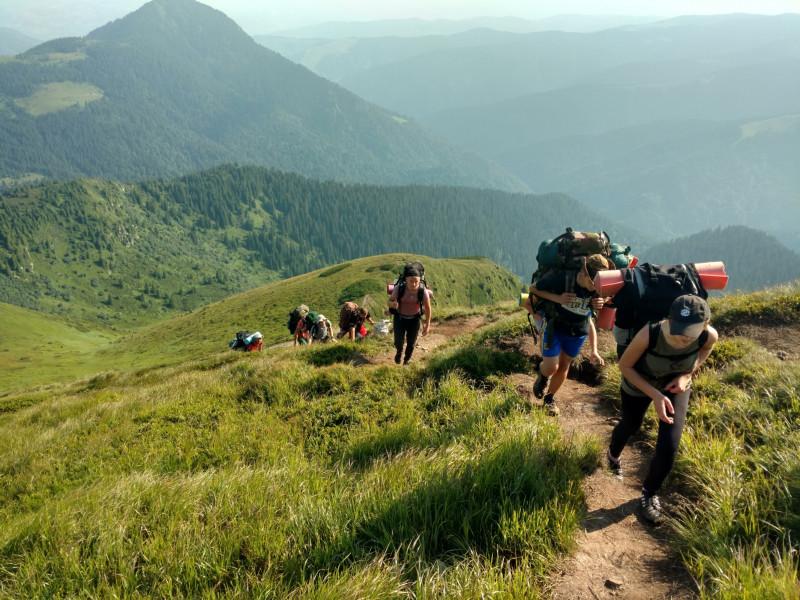 Камінь-каширські юні туристи піднялися на 10 найвищих вершин українських Карпат