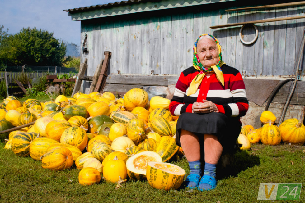 А ось і Олена: Уляна Сидорук, по-вуличному Влянка))